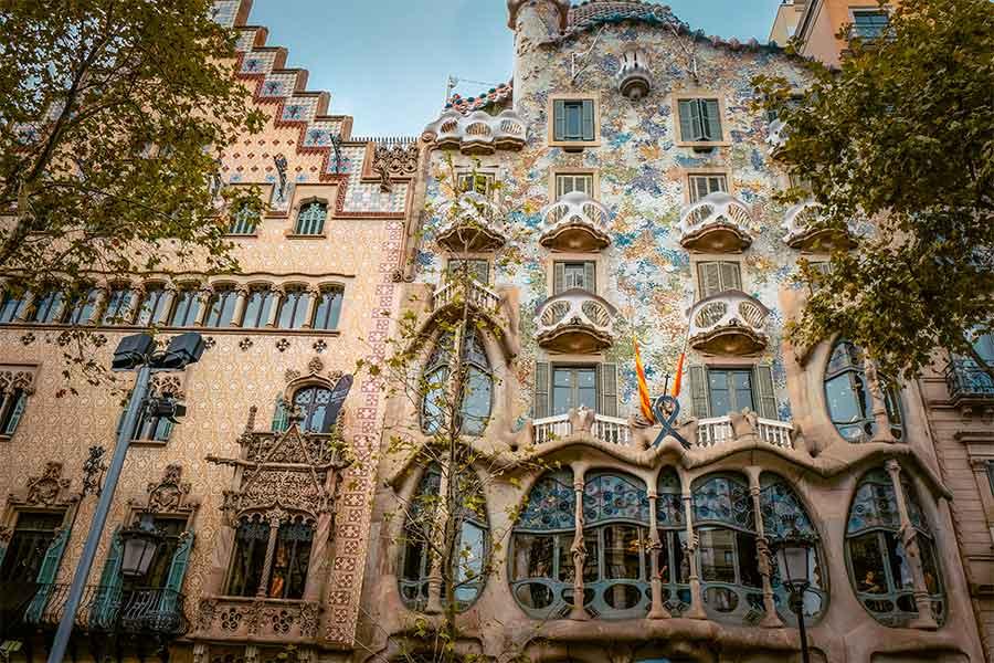 Exterior of Casa Batllo | Spain in August